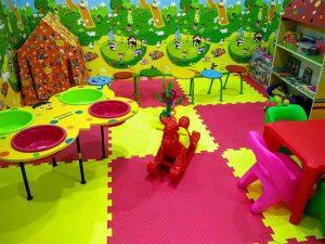 نمای محل بازی کودکان هتل تارا مشهد