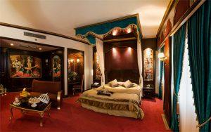 اتاق قاجاریه هتل قصر الماس مشهد
