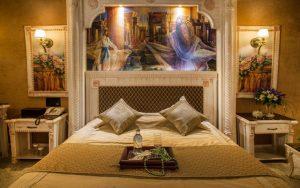 نمای اتاق هخامنش هتل قصر الماس مشهد