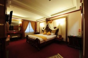 تور مشهد لحظه آخری در هتل بین المللی قصر طلایی