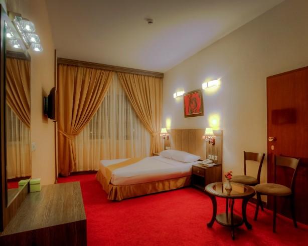 تور مشهد لحظه آخری در هتل کیانا