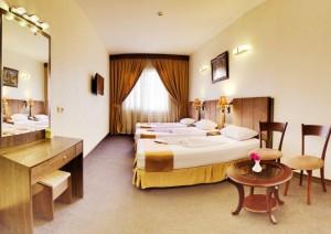 اتاق 3 تخته هتل کیانا مشهد