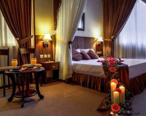 اتاق هانی مون هتل کیانا مشهد