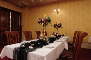 رستوران پرستیژ هتل قصر طلایی مشهد