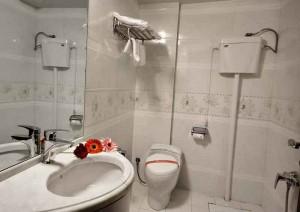 سرویس هتل سهند مشهد