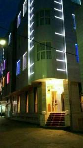 نمای هتل آپارتمان ثقلین مشهد