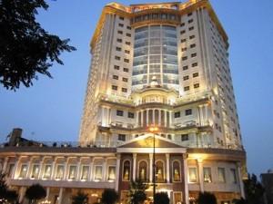 نمای بیرون هتل سی نور مشهد