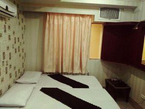 اتاق هتل آپارتمان سفرا طلایی مشهد