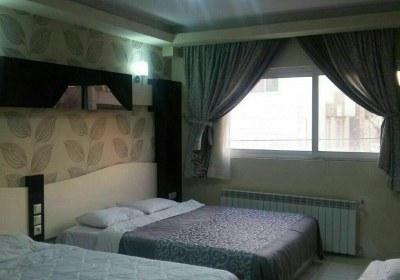اتاق 3تخته هتل هیراد مشهد