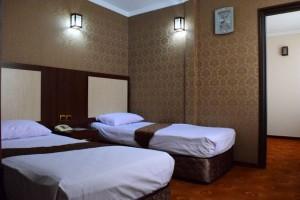 تور مشهد زمینی هتل سفیران