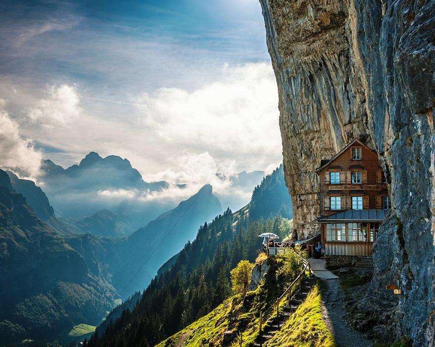 اشر کلیف، سوئیس