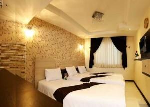 تور مشهد با هواپیما هتل انصار