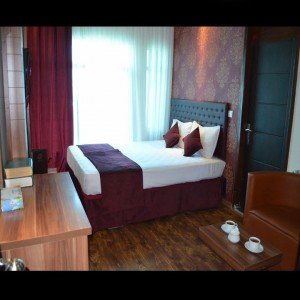 اتاق هتل جواهری شرق