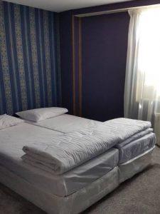 اتاق هتل آپارتمان مهریز مشهد