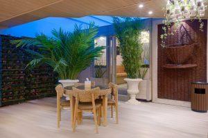 کافه رستوران روف گاردن هتل الماس 2 مشهد