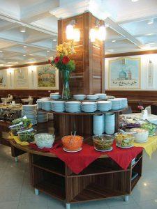 نمای رستوران هتل صادقیه مشهد