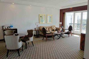 سوییت آتوسا رو به باغ هتل داریوش کیش