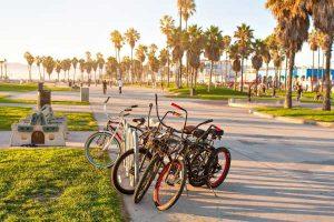 دوچرخه سواری هتل داریوش کیش