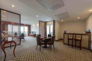 سوییت رویال رو به دریا هتل داریوش کیش