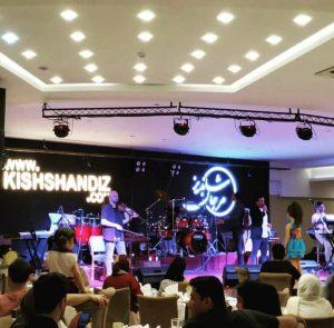 موسیقی زنده رستوران شاندیز صفدری کیش