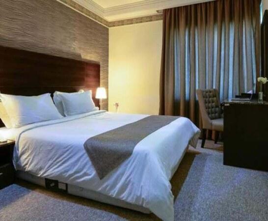 تور کیش هتل سورینت صدف