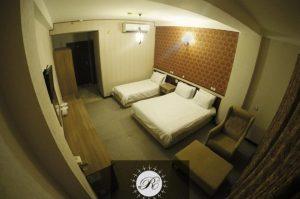 اتاق 3 تخته هتل رویان قائم کیش